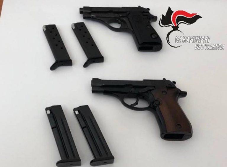 Detenzione illegale di due pistole e 50 colpi, denunciato commerciante di Sant'Onofrio