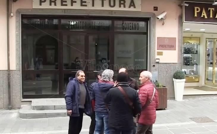 Protesta degli operai del Consorzio di bonifica, il prefetto di Vibo assume impegni – Video