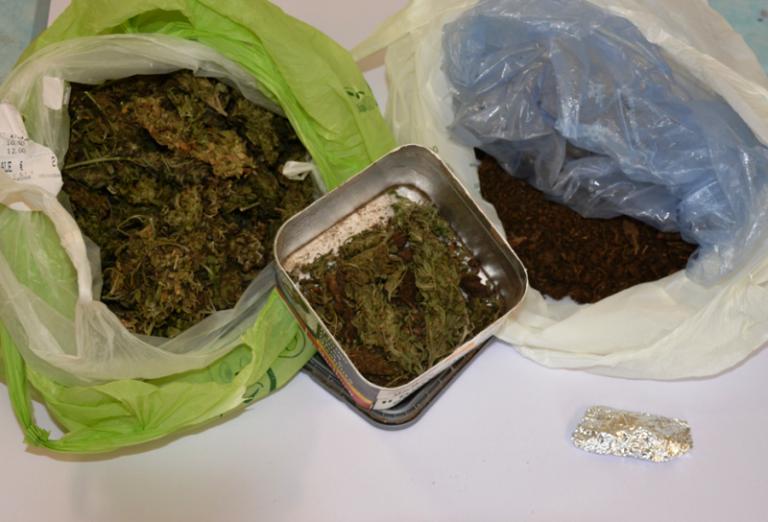 Deteneva droga in casa, la Polizia arresta un 41enne per spaccio
