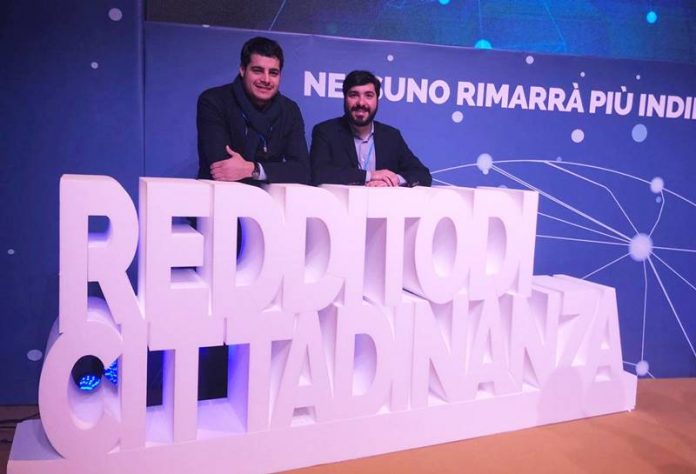 Il deputato M5S Riccardo Tucci (a sinistra)