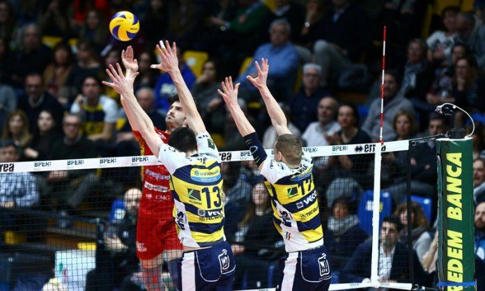 Skrimov contro il muro emiliano (foto Modena Volley)