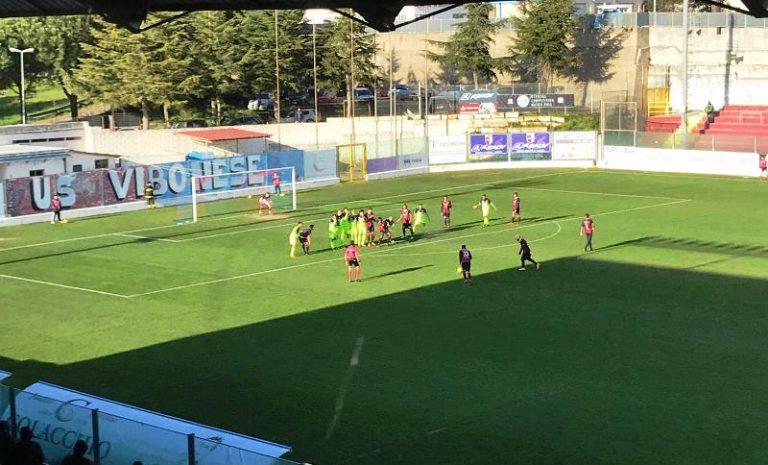 Calcio, al Razza Vibonese raggiunta dalla Casertana in pieno recupero