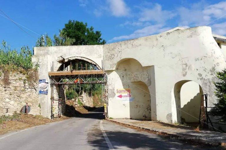 Briatico, al via la messa in sicurezza dell'arco del vecchio mulino