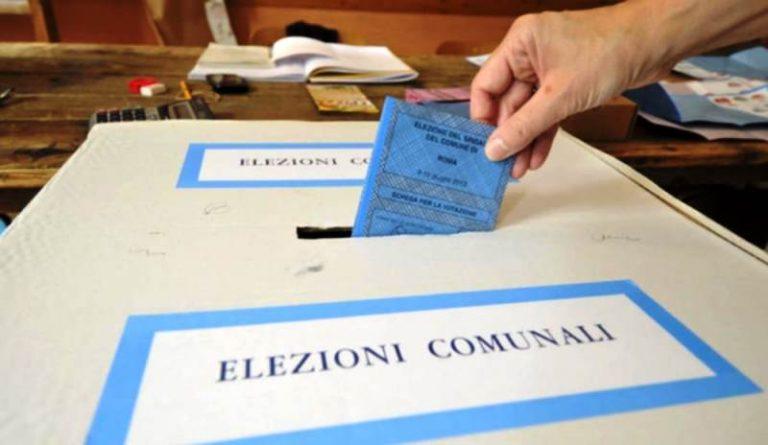 Elezioni comunali tra ricandidature e volti nuovi: la situazione negli 11 enti vibonesi
