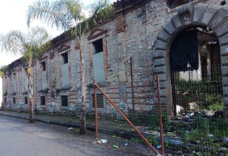 Ex palazzo vescovile, il sindaco di Mileto ordina la messa in sicurezza