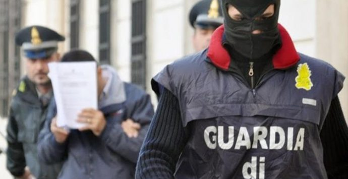 Fallimenti e frode al fisco, arresti anche nel Vibonese e sequestro per 40 milioni
