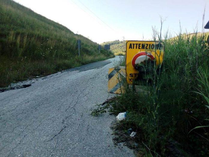 La provinciale che dallo svincolo conduce a Mileto