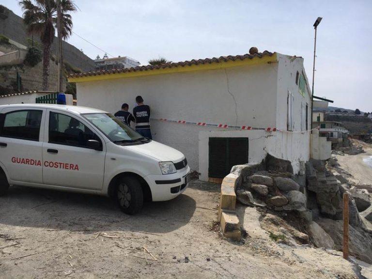 Lavori abusivi sul lungomare di Tropea, sequestrato un fabbricato
