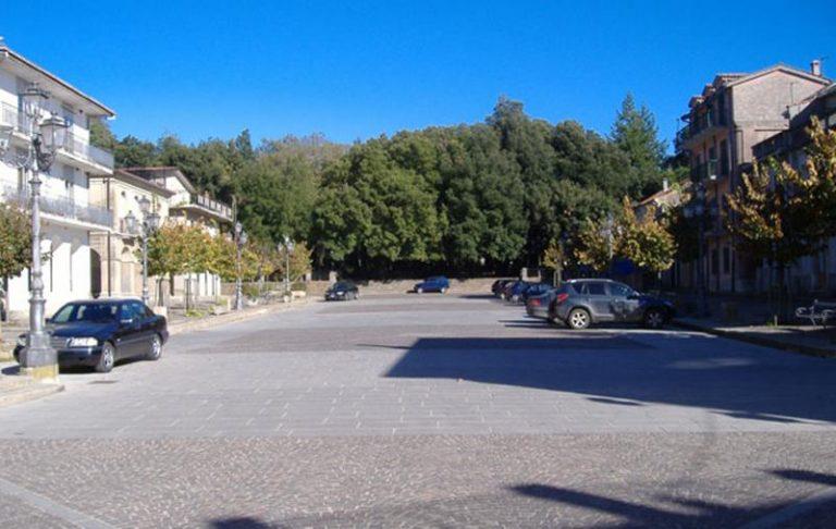 Comunali a Vallelonga, sfida a due fra Servello e Vetrò