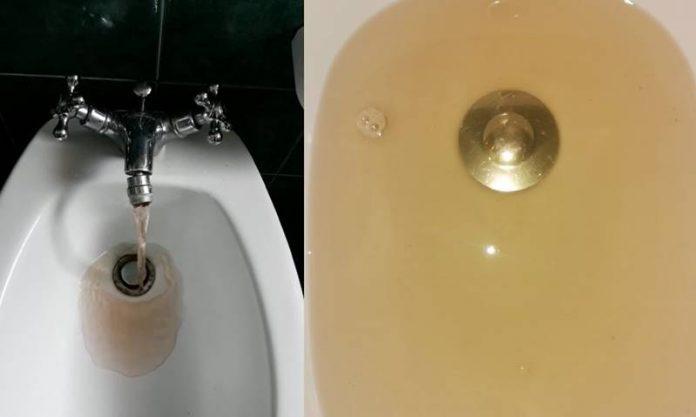 Acqua sporca dai rubinetti di Nicotera Marina