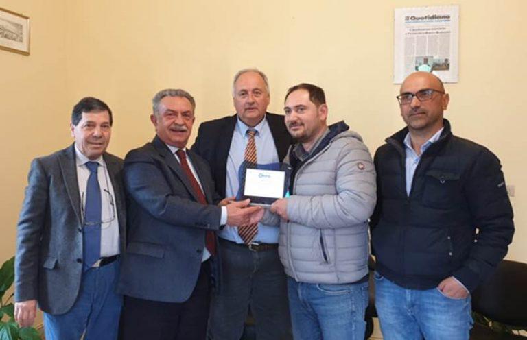 """La Confesercenti Calabria premia un giovane barista di Dinami quale """"simbolo di resilienza"""""""