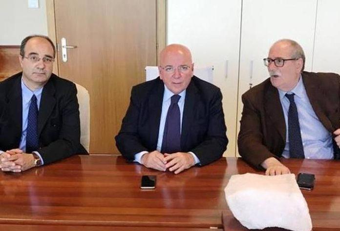 Da sinistra Valotta, Oliverio e Salvino