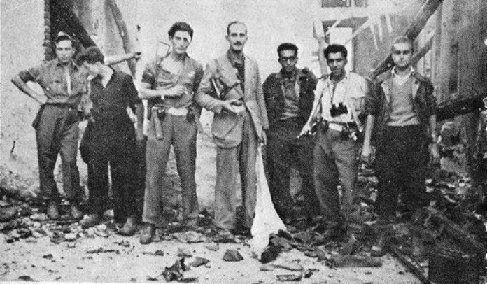 Giorgio Marincola (terzo da destra)