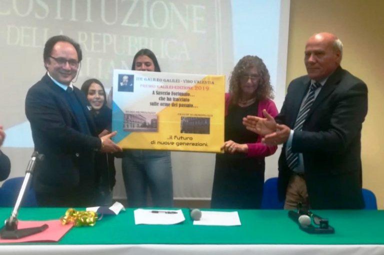 """Il """"Premio Galileo Galilei"""" al rettore dell'Istituto di criminologia Saverio Fortunato"""