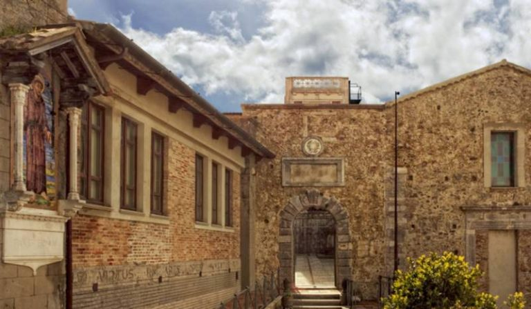 Storie e leggende dell'ammiraglio calabrese Occhialì a Palazzo Santa Chiara
