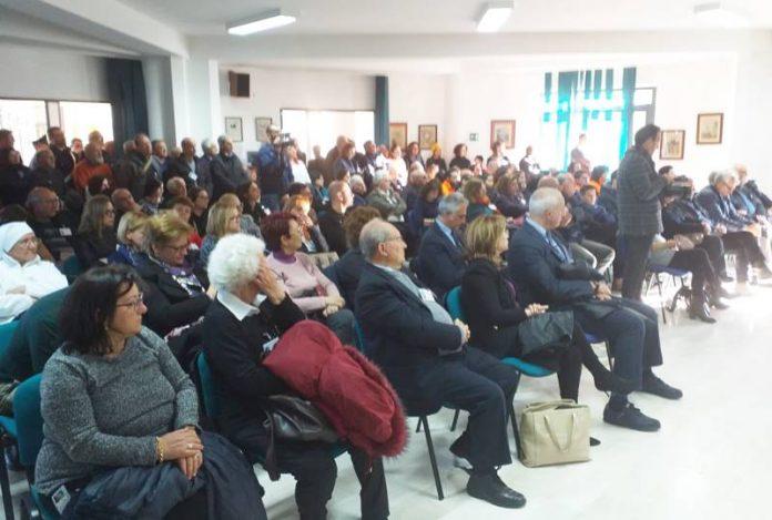 La sala consiliare di Limbadi affollata nel nome di Matteo Vinci