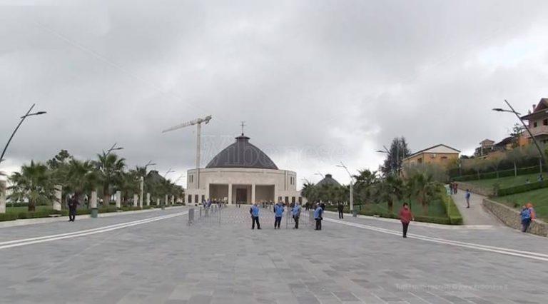Il giorno di Natuzza   Devoti in trepidante attesa per l'avvio della causa di beatificazione – Video