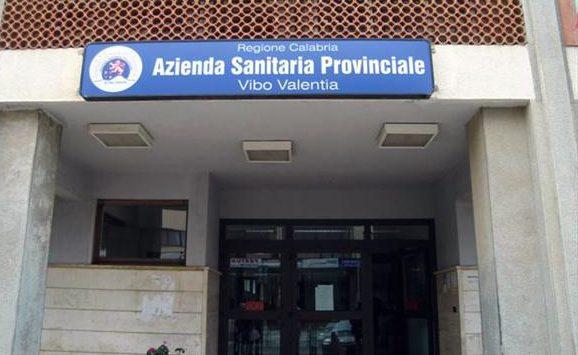 Medico interdetto si candida a dirigente dell'Asp di Vibo: arrestato