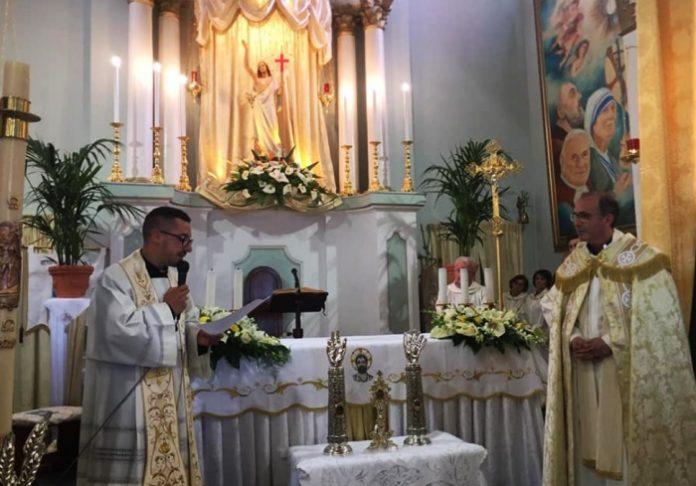 Un momento delle celebrazioni in chiesa