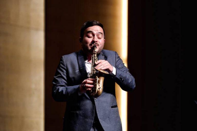 Da Limbadi alla Cina, il sax di Francesco Soldano incanta il pubblico – Video