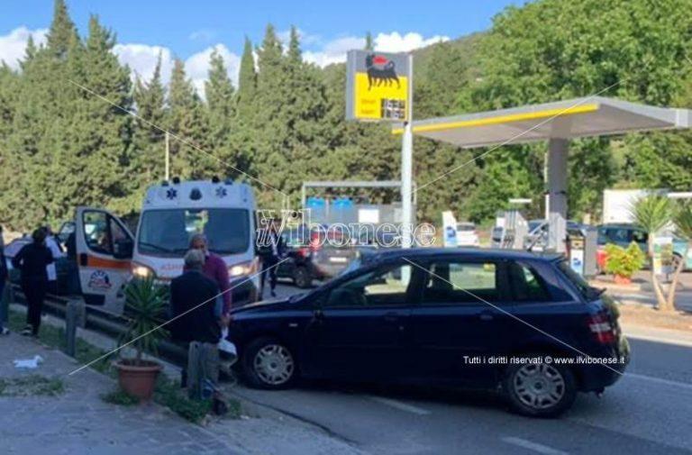 Scontro fra due auto a Pizzo, un ferito trasferito in elisoccorso