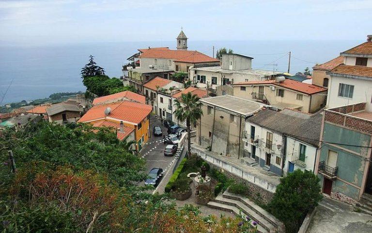Resti da estumulazione a Joppolo, la minoranza consiliare: «Sconcertante scoperta»