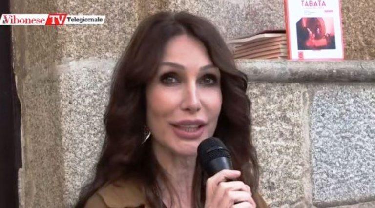 «Per divertirsi non c'è bisogno di rischiare»: da Tropea il messaggio di Lady Tabata ai giovani – Video