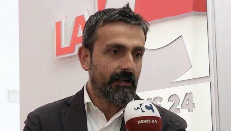 Gli arredi urbani rimossi a Vibo verso Tropea, il sindaco Macrì avanza richiesta – Video