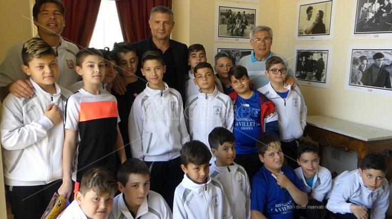 Un campione a Tropea, l'ex rossonero Daniele Massaro tra i piccoli talenti – Video