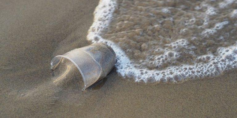Tropea plastic free, la capitale del turismo bandisce i materiali non biodegradabili