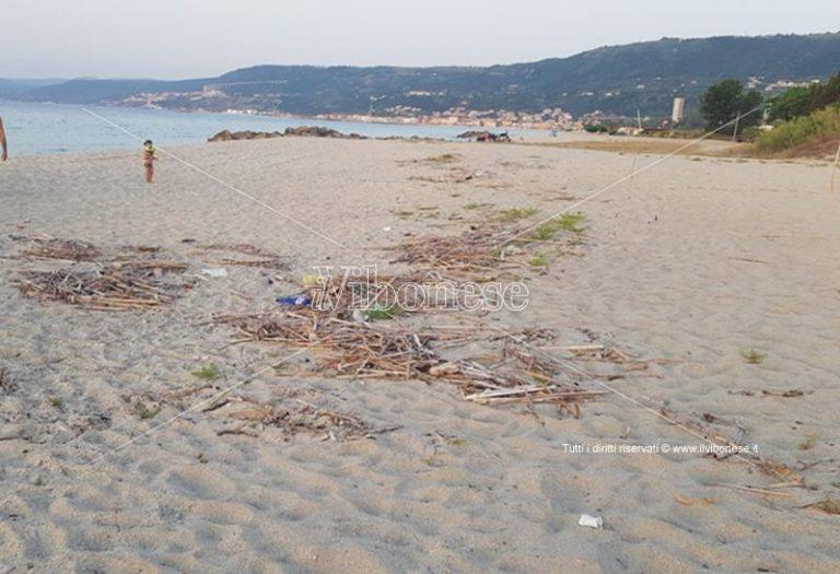 Bivona, residenti e villeggianti chiedono da tempo la pulizia della spiaggia
