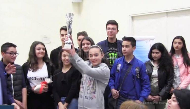 Fisco e scuola, l'Ic di Vallelonga vince il concorso dell'Agenzia delle entrate – Video