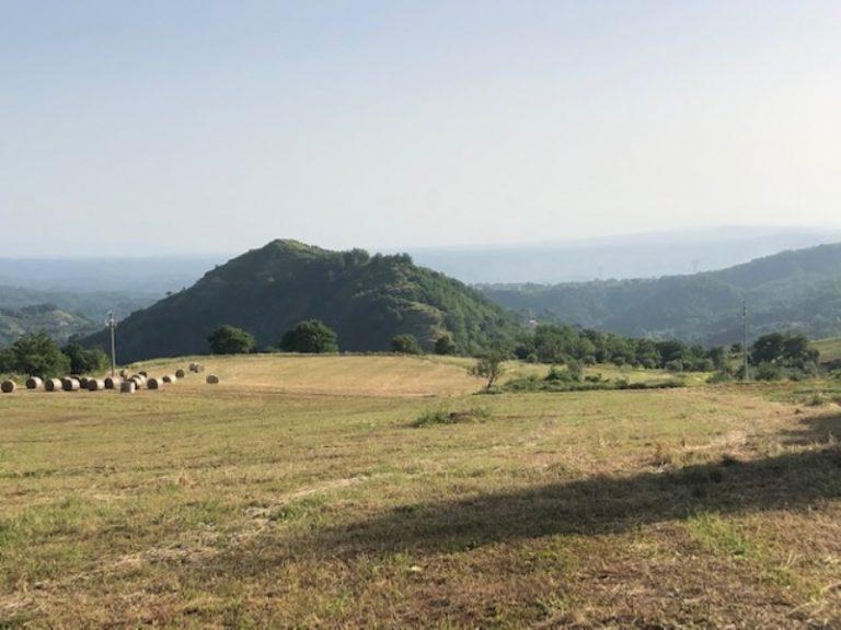 """Trekking, dall'antica Castelmonardo nasce """"Il sentiero del grano"""""""