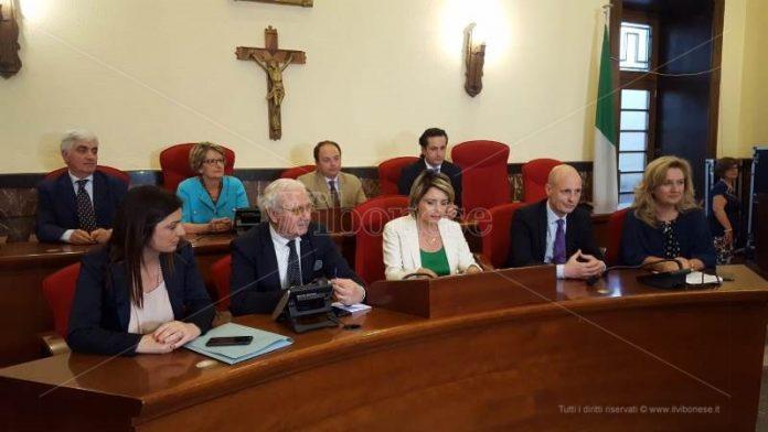 Il sindaco Maria Limardo e la sua Giunta