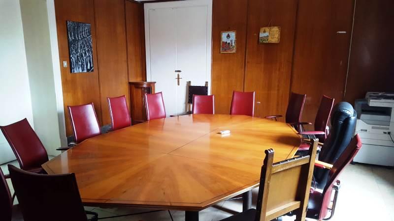 La sala giunta del Comune di Vibo