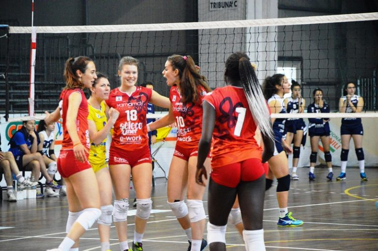 Volley, grandi emozioni nella prima giornata delle finali nazionali a Vibo e Pizzo