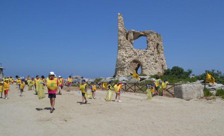 Legambiente e Oratorio di Briatico insieme per spiagge più pulite