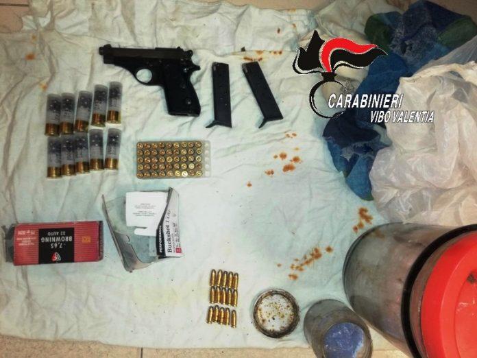 Le armi e le munizioni sequestrate ai Niglia
