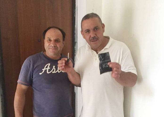 La consegna delle chiavi a Moudik Salah
