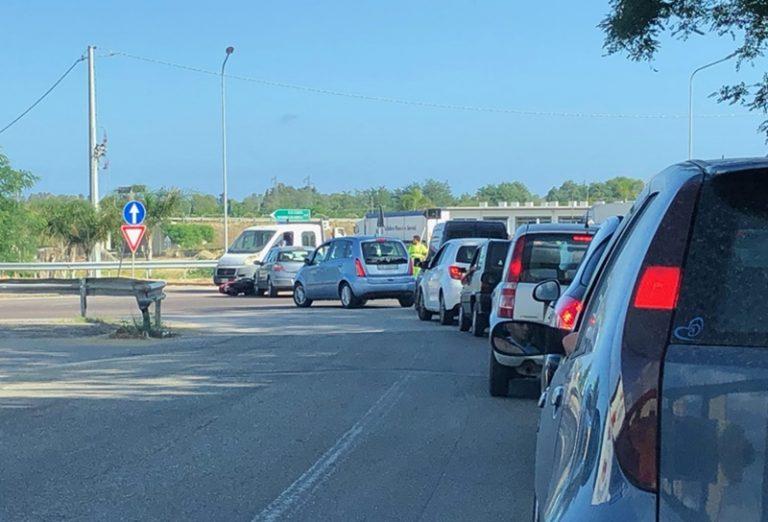 Incidente nei pressi dello svincolo di Pizzo, scontro auto-moto