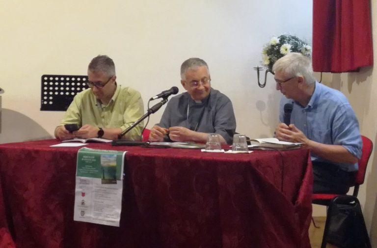 Un atto d'amore per Tropea nell'ultimo libro del vescovo Renzo