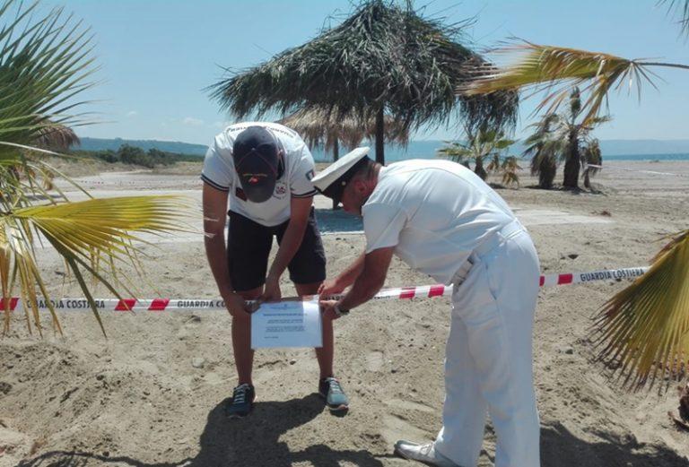 Occupazione abusiva della spiaggia, sequestro fra Pizzo e Curinga