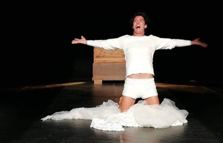 Teatro d'Amare, a Tropea la prima strappa applausi a scena aperta – Video
