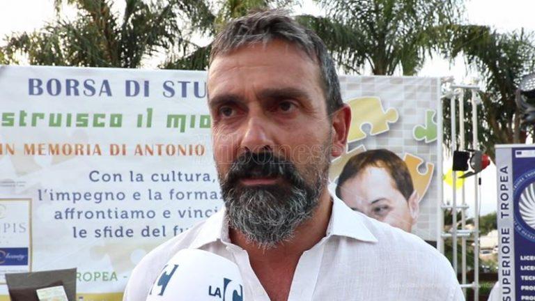 Balneazione a Tropea e Parghelia, Macrì: «Landro si assuma le sue responsabilità»