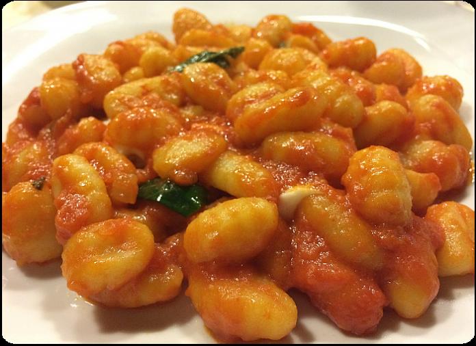 Gli gnocchi di patate, tra i piatti principali della serata