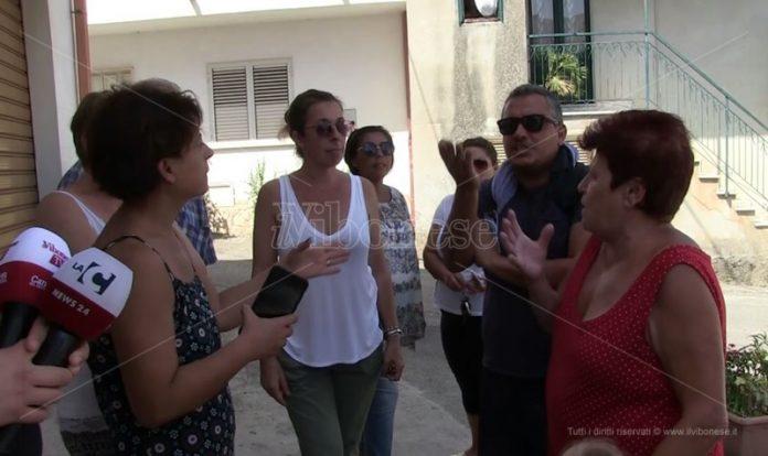 La protesta dei cittadini a San Nicolò di Ricadi