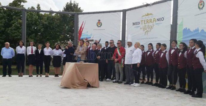 """Stefanaconi, partito """"Mediterraneo nel borgo"""": tre giorni di gusto e cultura – Video"""