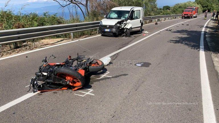 Scontro moto-furgone a Vibo, interviene l'elisoccorso