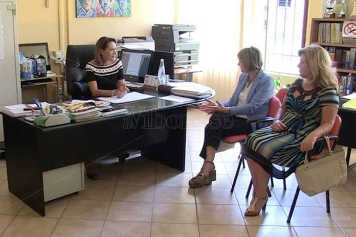 Il sindaco Limardo e l'assessore Falduto con la dirigente Furlano