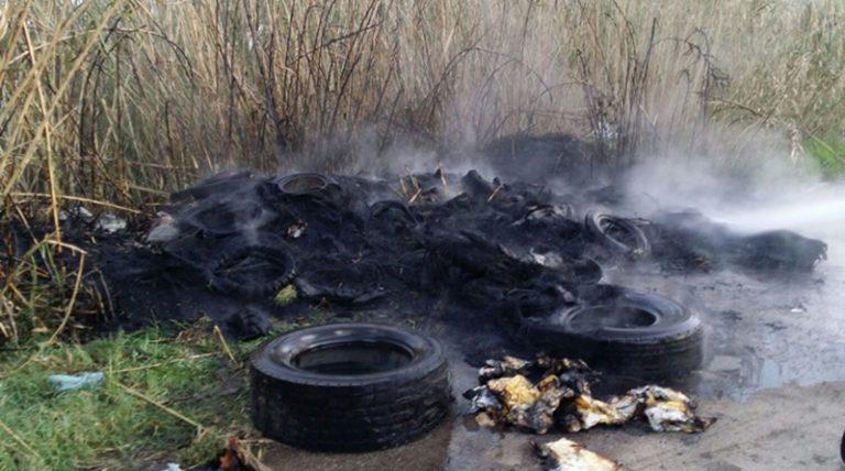 Deposito di pneumatici in fiamme nel Vibonese, l'intera zona dovrà essere bonificata